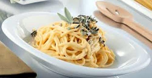 espaguetis con nata y champiñones